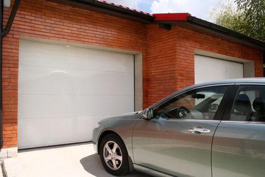 Tendinte 2014: creste cererea pentru usile de garaj cu textura neteda