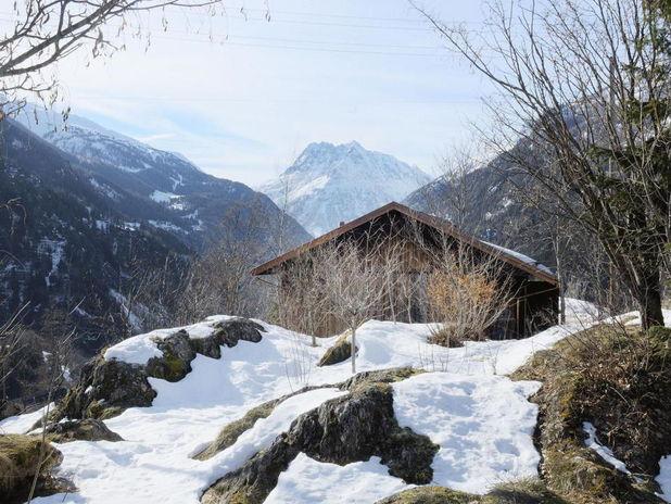 Renovare: O cabana de munte construita intr-un vechi arsenal elvetian