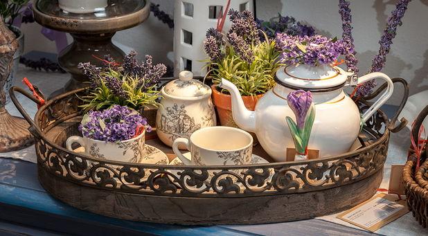 Produsele pentru servirea ceaiului: intre frumusetea obiectelor si obiceiuri sanatoase