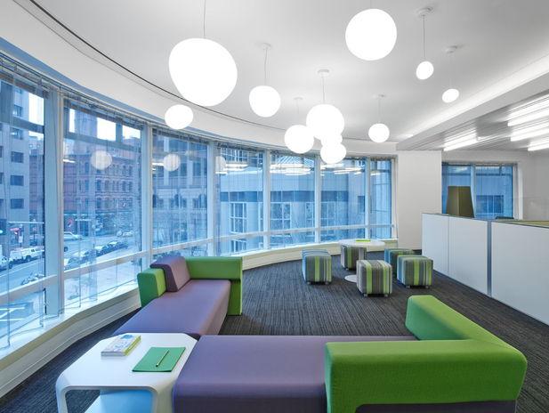Un spaţiu de muncă sănătos la birou ar trebui să însemne ergonomie, flexibilitate şi relaxare