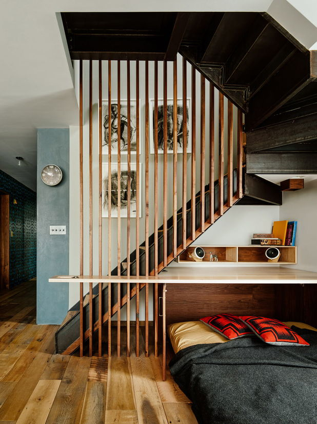 birou dormitor sub scari