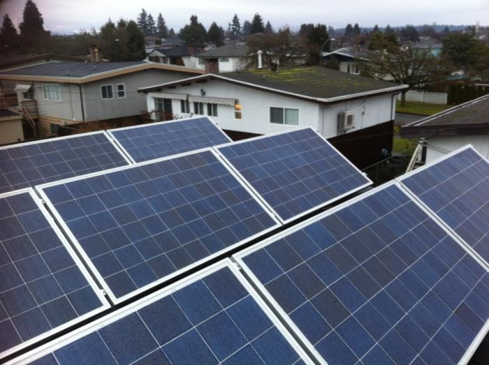 casa_vancouver_70mp_panouri-fotovoltaice
