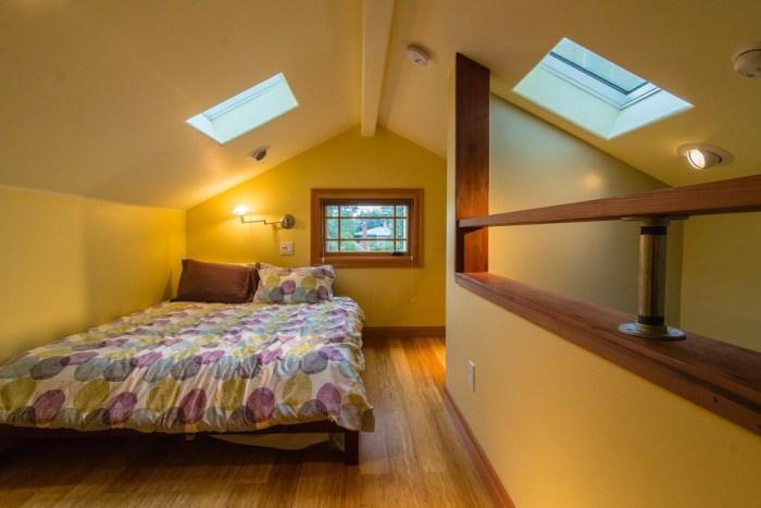Berkeley bedroom upstairs