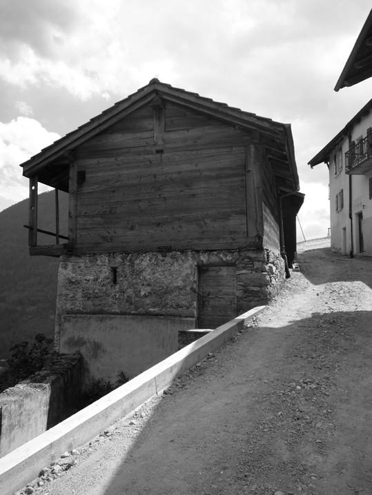 grajd_transformat_in_casa_vacanta1