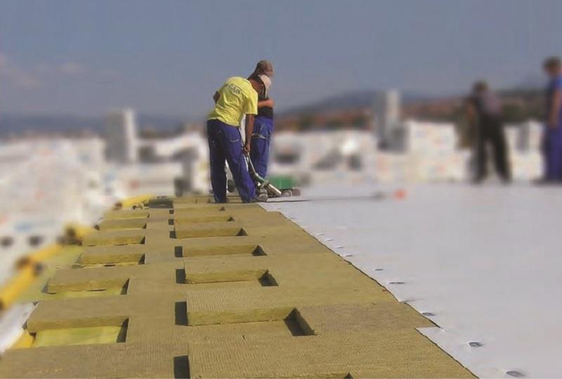 Termoizolarea acoperişului tip terasă cu plăci din vată minerală bazaltică