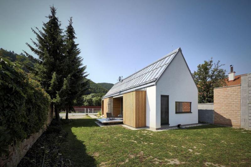 Proiect de casă cu un singur nivel, din cărămizi de lemn, 69 mp utili