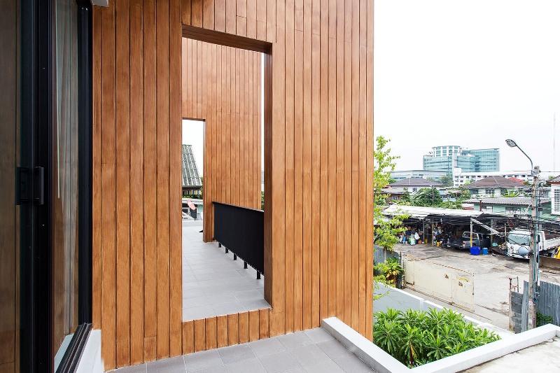 Casa_teren_mic_Bangkok12