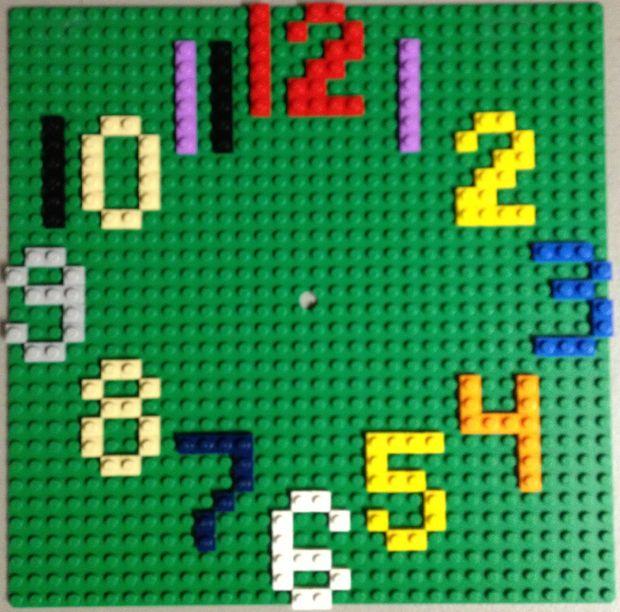 ceas_de_perete_LEGO2