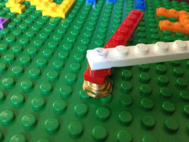 ceas_de_perete_LEGO3