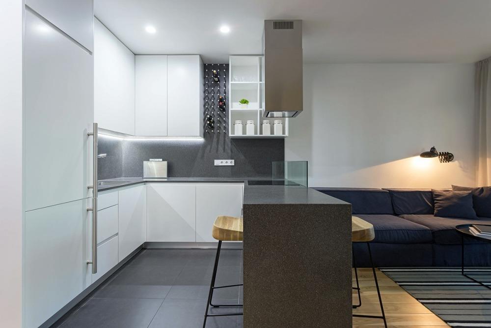 apartament-amenajat-cu-caramizi-de-sticla3