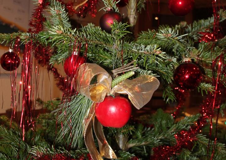 Culori tradiţionale de Crăciun. O poveste despre simboluri mai vechi şi mai noi