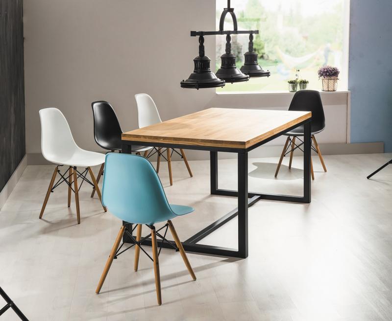 Decor minimalist, scauna de culori diferite, dar de aceeasi forma si textura.