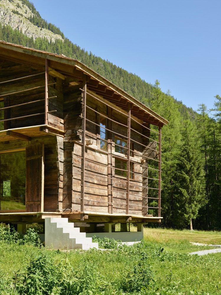 transformare-hambar-cabana-montana-moderna-2