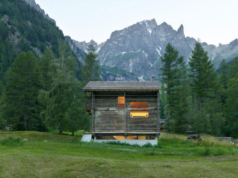 transformare-hambar-cabana-montana-moderna-3