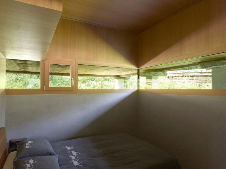 transformare-hambar-cabana-montana-moderna-9