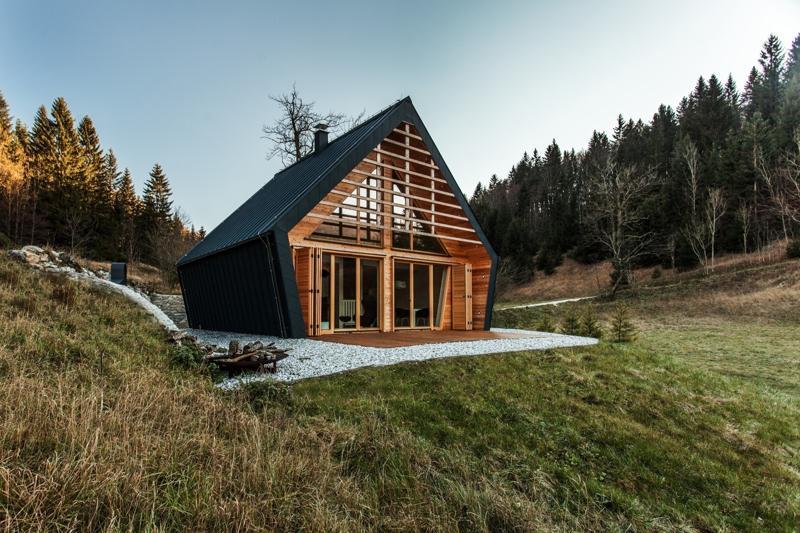 Un Proiect Premiat Cabană De Lemn De 82 Mp Cu 2 Dormitoare Sporul Casei