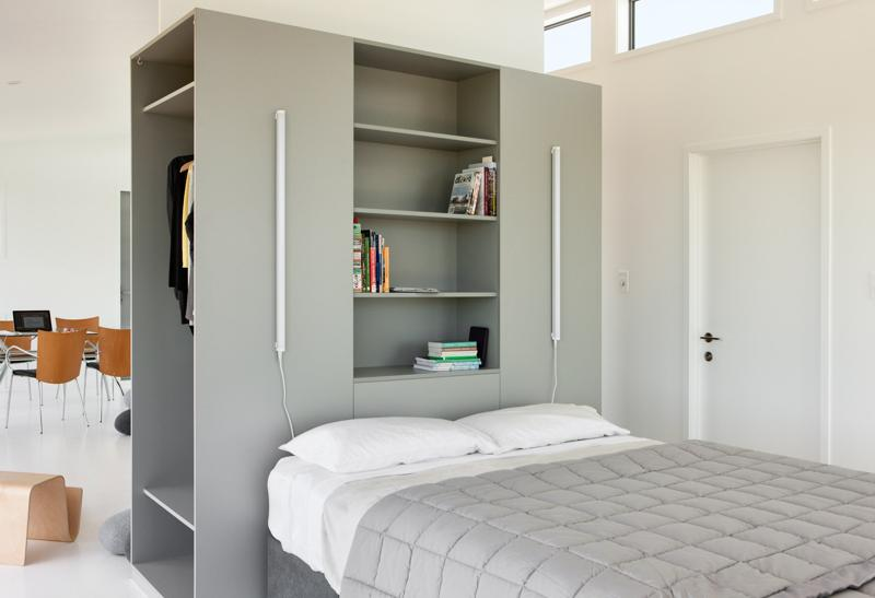 dormitor minimalis, casa de vacanta