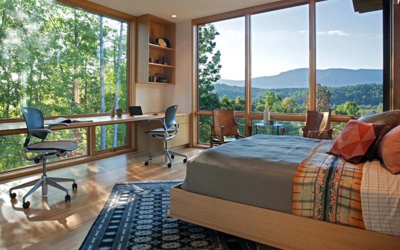 Amenajarea unui birou în dormitor: reguli și idei pentru un amplasament reușit