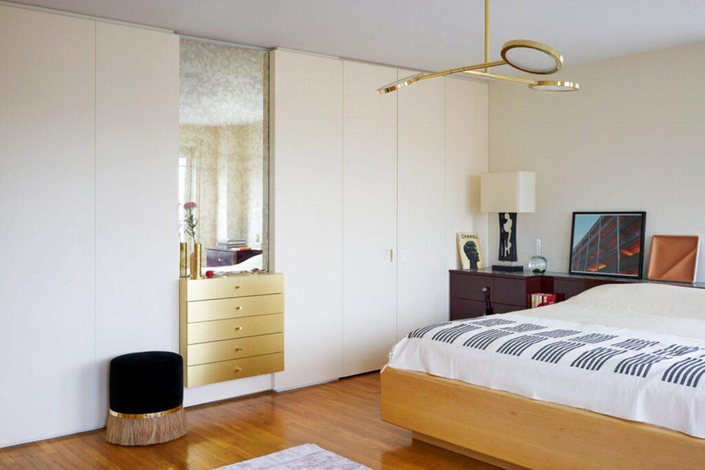 amanajare apartament cu elemente de alama