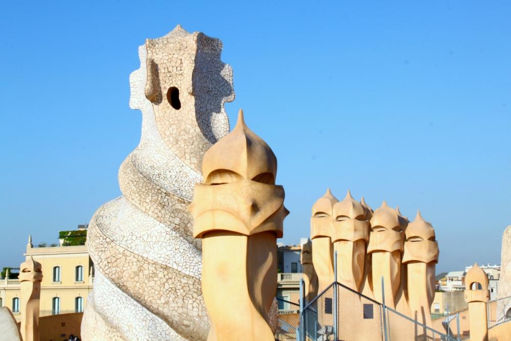 răcirea naturală a casei la pedrera barcelona